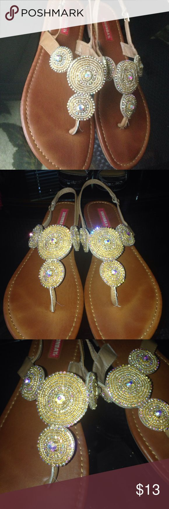 Cute sparkly sandals ✨ Make offer! Sparkly sandals. Size 9 1/2. **Are peeling a bit at the top but not major! (See photo) any questions let me know! 😊 Shoes Sandals