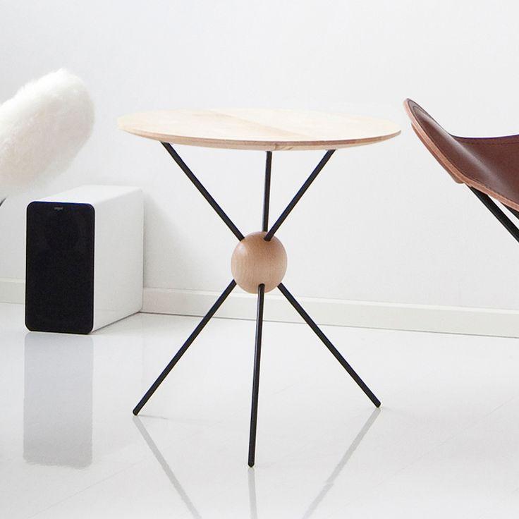 Small round side table - Jupiter | CUERO