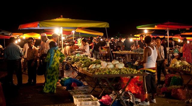 Nightmarket, Kota Kinabalu -> this is the city I lived in, in malaysia