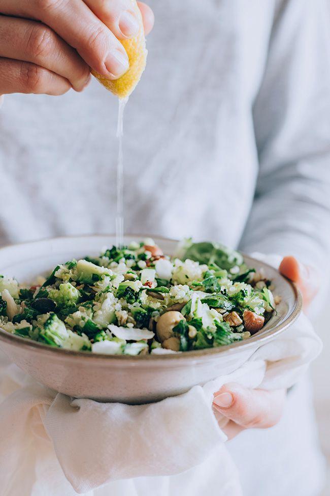 Very green quinoa salad for gentle detox #vegan | http://TheAwesomeGreen.com