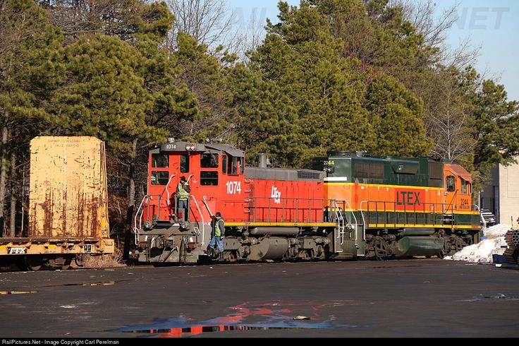 RailPictures.Net Photo: LTEX 1074 Raritan Central Railway EMD SW1500 at Edison, New Jersey by Carl Perelman