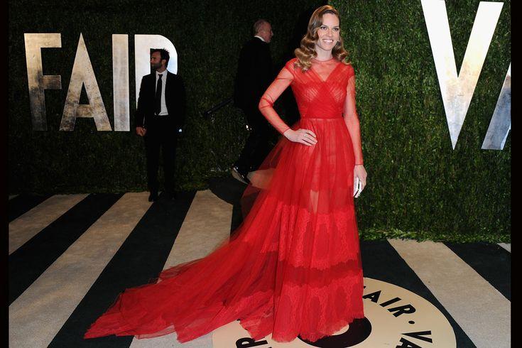 Fotos de la fiesta de Vanity Fair post Oscar 2013: Hilary Swank de Valentino