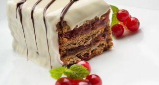 Receta de Tarta de galletas con mermelada y chocolate blanco