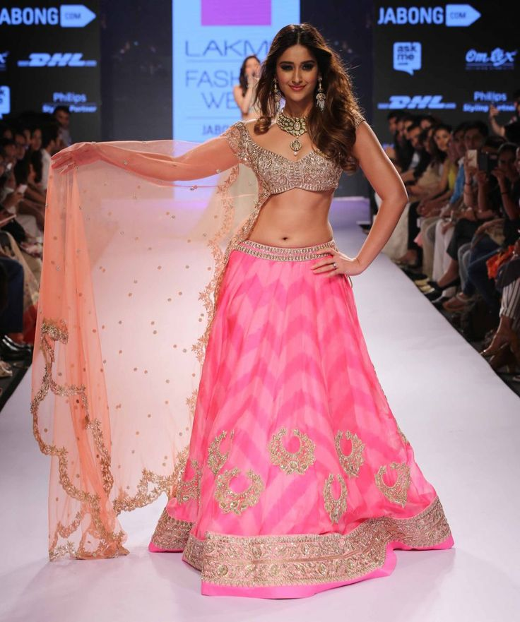 Cruz walks for Anushree Reddy at Lakme Fashion Week Summer Resort 2015