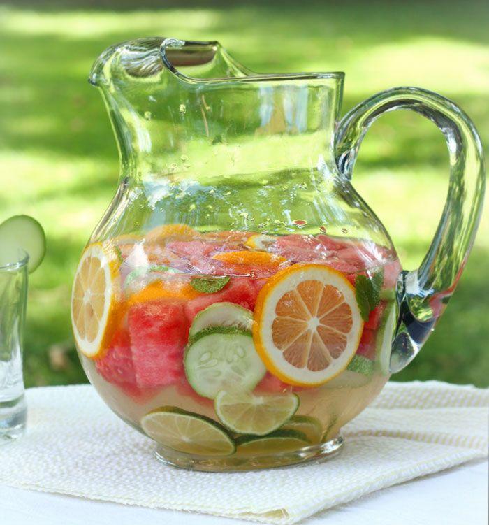 Refreshing DIY Vitamin Water | SoupAddict.com