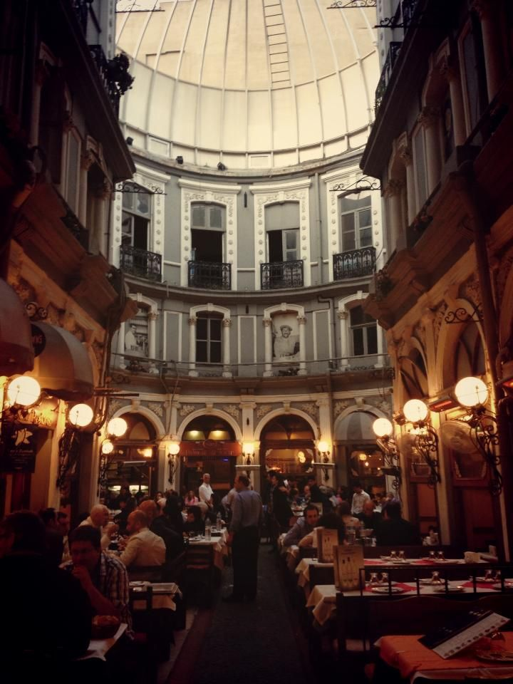 Lovely caffee in a marvelous building!!!