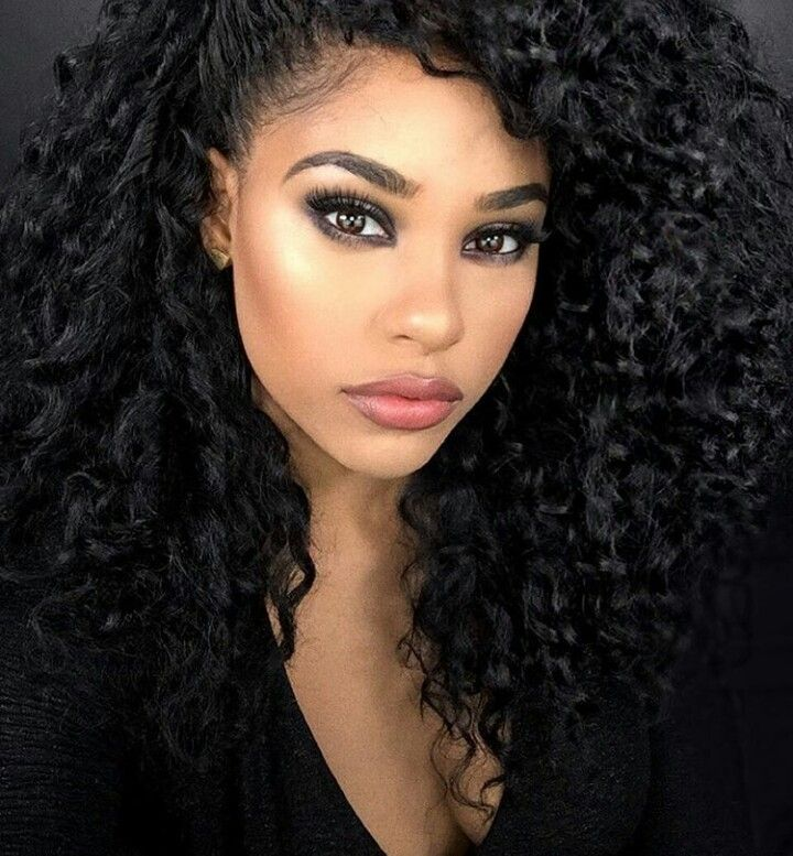 Look (@itsmyrayeraye on Instagram)