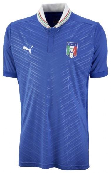 Uniform of the Italian football team....  Euro 2012 is on the way!!!