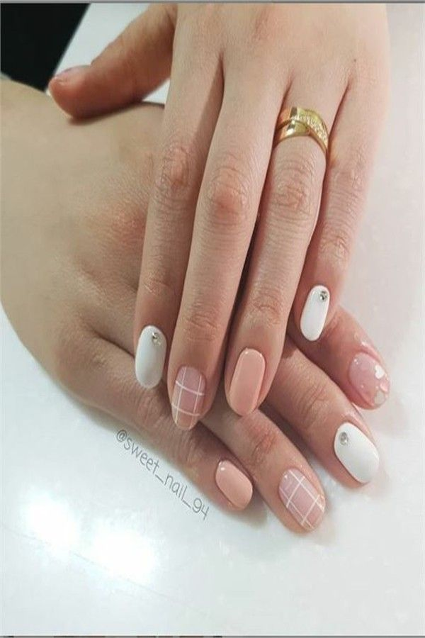 Acrylic Nails Or Gel Nails Difference And Comparison With Pictures Fashonails Gel Nails Nails Acrylic Nails