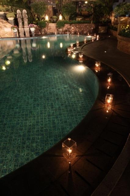 Atmosfir cantik untuk pesta di luar ruangan. http://bit.ly/w6Lqjt