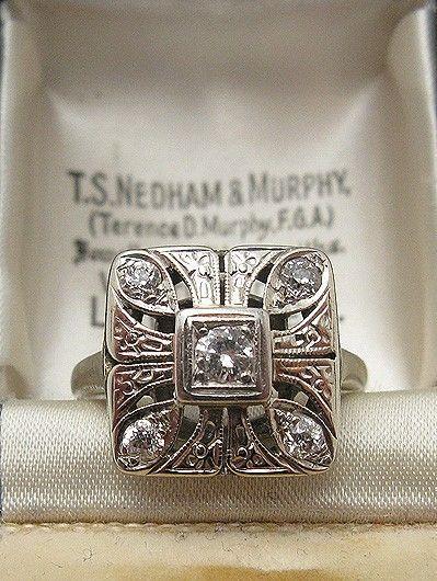 {Jewels} 1920s Art Deco Diamond Ring by lilian #jewellery #ring #vintage - online jewellery brands, jewelry for women, jewelry com *sponsored https://www.pinterest.com/jewelry_yes/ https://www.pinterest.com/explore/jewelry/ https://www.pinterest.com/jewelry_yes/personalized-jewelry/ http://www.dresslily.com/jewelry-b-56.html