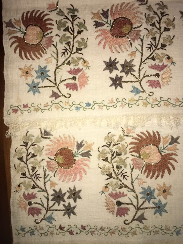 ANTIQUE OTTOMAN-TURKISH SILK & GOLD METALLIC HAND EMBROIDERY ON LINEN Yaglık 2