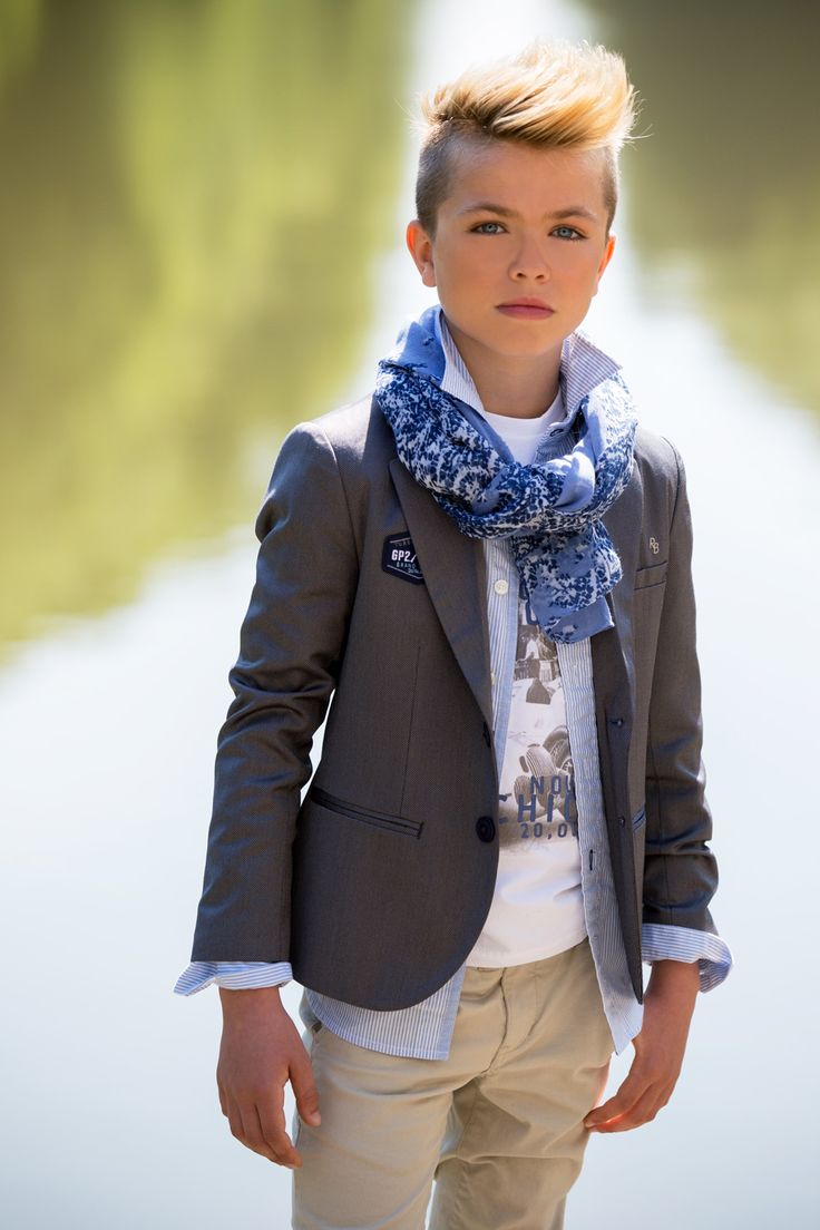 Communiekleding, jeugdkleding & kinderkleding - VIKTORIENTJE te Putte (Mechelen - Antwerpen)