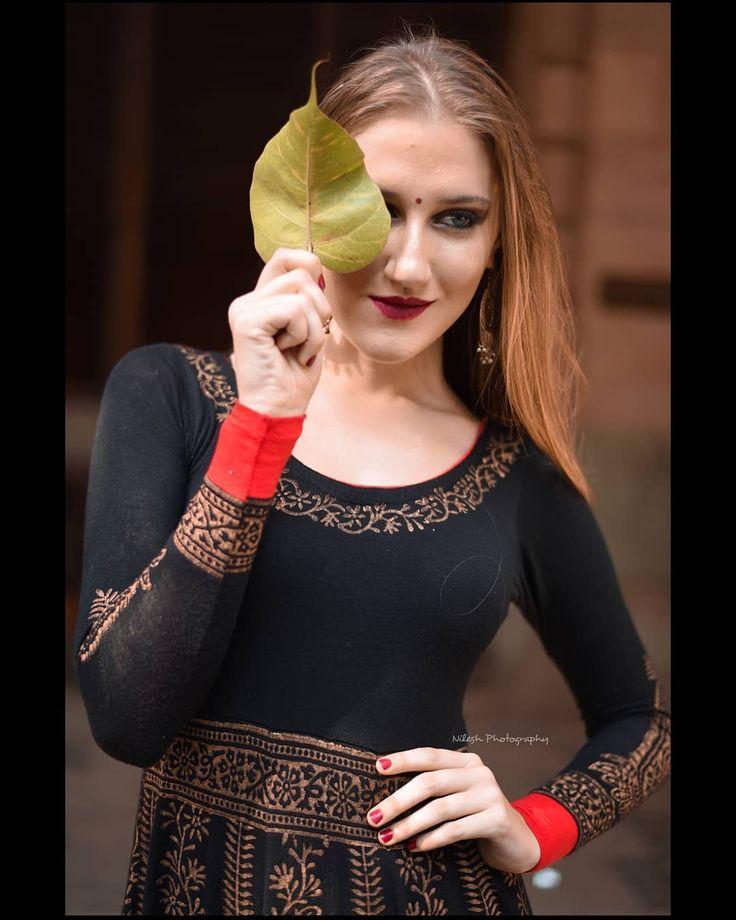 Shoppen Sie das Outfit, indem Sie auf das Bild klicken 😍 # moodyports #portraitstream #portrai ...