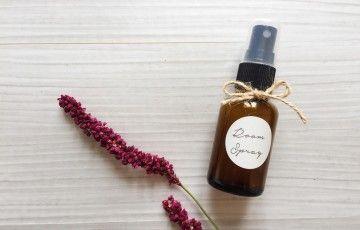 鼻水、鼻づまり、くしゃみ…。つらい花粉症の症状の緩和に効果的なアロマオイルをご紹介します。