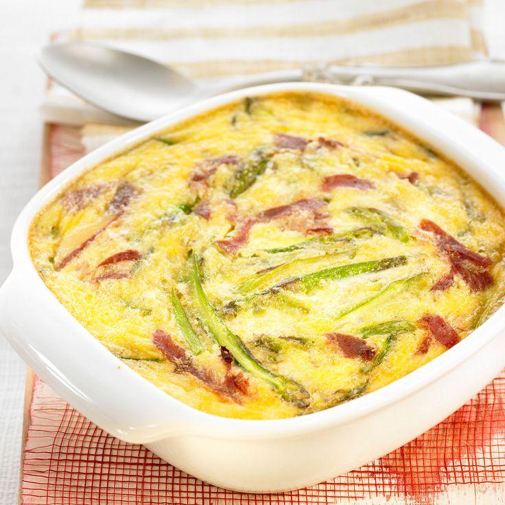 Découvrez la recette clafoutis aux asperges et jambon cru sur cuisineactuelle.fr.