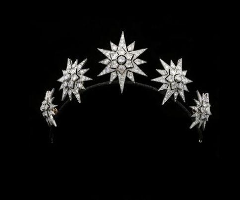 a lovely early, 1860s, diamond star tiara/brooch combination from Hancocks. Featuring five star motifs, each with three layers of radial diamonds. http://www.hancocks-london.com/acatalog/info_TIA121229AM.html