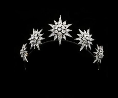 a lovely early, 1860s, diamond star tiara/brooch combination from Hancocks. Featuring five star motifs, each with three layers of radial diamonds. http://www.hancocks-london.com/acatalog/info_TIA121229AM.html