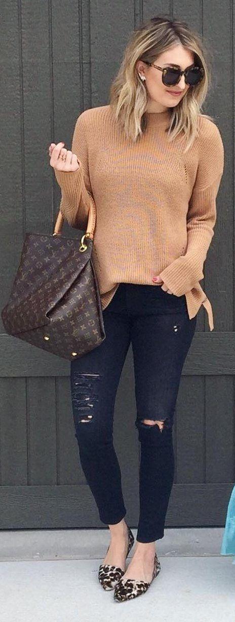 #winter #fashion / Camel Knit / pantalones vaqueros rasgados flacos / Pisos leopardo