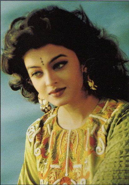 Aishwarya -90s photoshoot