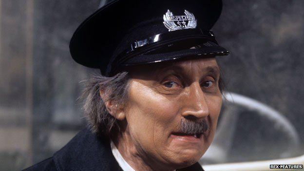 Stephen Lewis, On the Buses' 'Blakey', dies aged 88 - BBC News