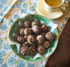 Dadelballetjes met noten en kaneel -
