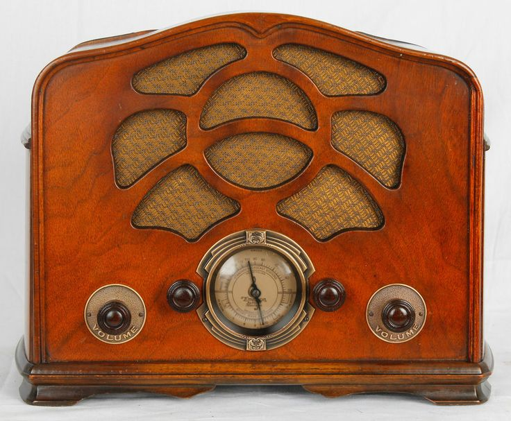 1935 Emerson 38 Wood Radio