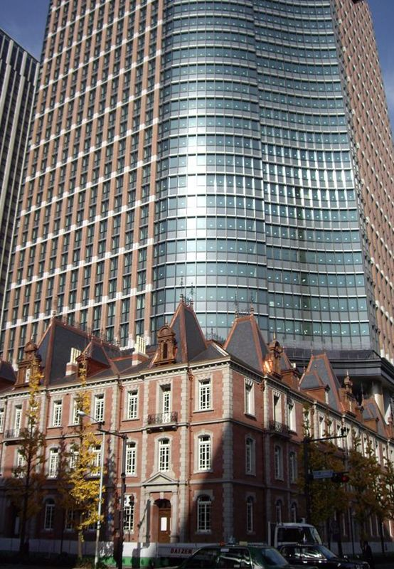 Brick Square, Iconic place of Marunouchi.  Some restaurants such as A16 (California Italian) have nice view terrace to chill.