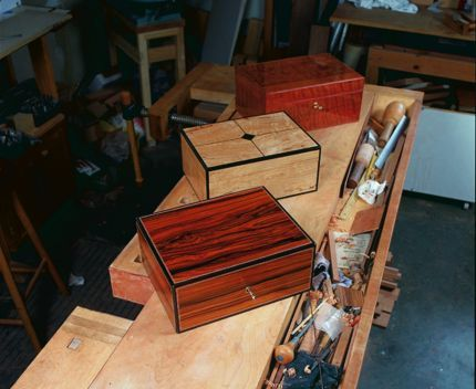 DIY Woodworking Ideas CLICK HERE to  download the free PDF article and woodworking plan for Allyns humidor. - CLICK TO ENLARGE