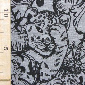 Heerlijke zachte sweatstof, met een print van luipaarden tussen bloemen in grijstint. Little Darling. Leuk voor een lekkere broek of vest met rits.