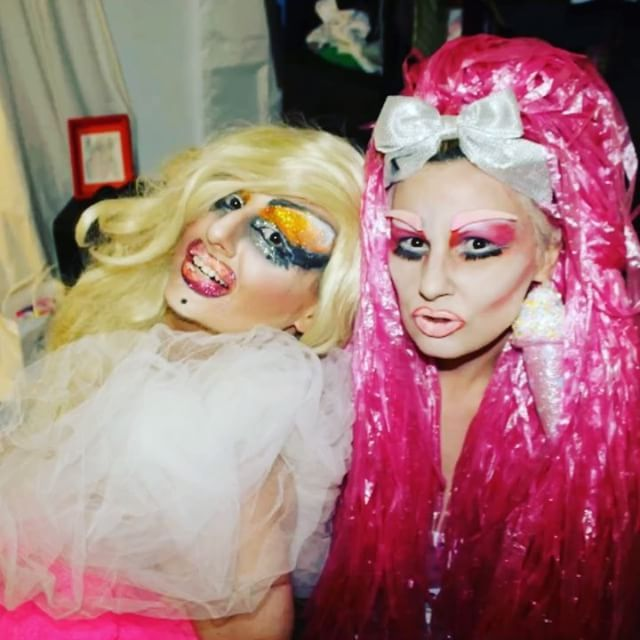 #ladonnarama with her sis Xtina #drag #dragqueen #queer #pink #mua #qwerrrkout #video #gif #ootd #lgbt #lgbtq #blonde