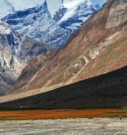 På vej ud af Zanskar fra Rangdum. Rejsens smukkete morgen.