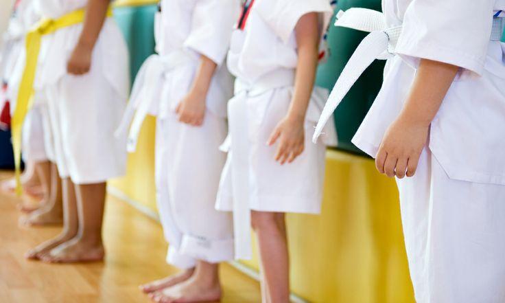 Beneficios del Taekwondo en los niños:  • Aumenta la resistencia cardiovascular.  • Mejora la resistencia y la fuerza muscular.  • Aumenta la flexibilidad.