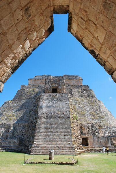 Entre los edificios más representativos están la Pirámide del Adivino, el Cuadrángulo de las Monjas y la Casa de las Palomas. Vive un #BestDay en Merida,  UXMAL, #Yucatan #OjalaEstuvierasAqui
