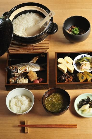 Traditional and Healthy Japanese Breakfast Meals (Grilled Fish, Egg Roll, Cooked or Pickled Veggies, Rice and Miso-shiru Soup) / 和定食(窯炊きごはん、焼き魚、煮物、お漬物、お味噌汁)