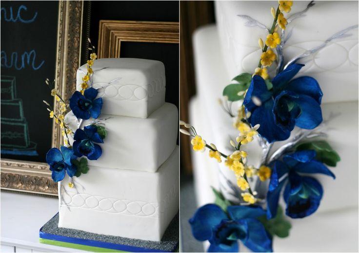 Toronto Botanical Gardens Wedding Cake