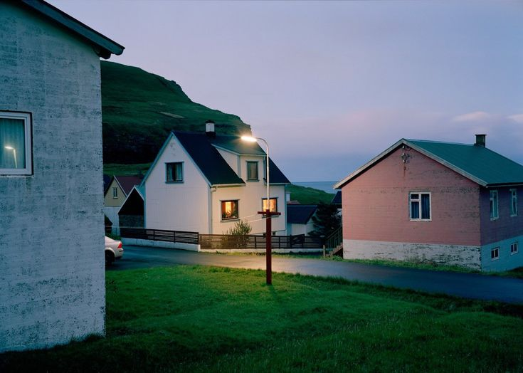 small town glory // aesthetic // house // neighbourhood // life // angst // photography // artistic