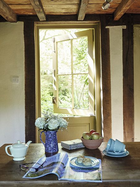 dining room in 17th-century cottage