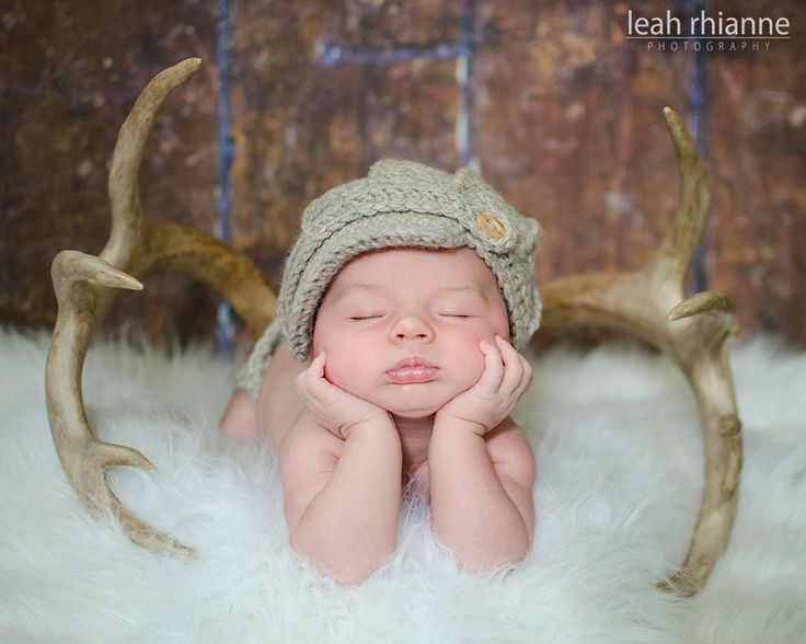 Baltimore newborn portraits by Leah Rhianne Photography #antlers #newborn #baby #hunting