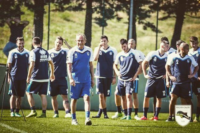 Pescara Calcio: il primo giorno di ritiro cè anche Ganz