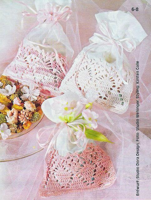 Patrones crochet bolsitas para aromatizar armarios patron - Fundas para bolsos ...