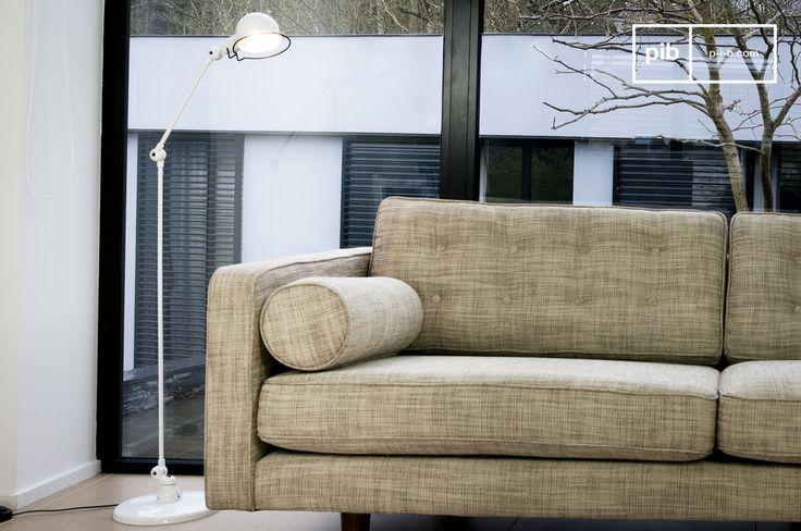 Questa piantana fa parte della collezione Signal del brand Jieldè ed è caratterizzata da semplici linee e delle bellissime finiture bianche