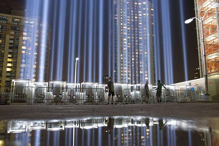 9/11/01 - Tribute in Light over Manhattan – Fubiz Media