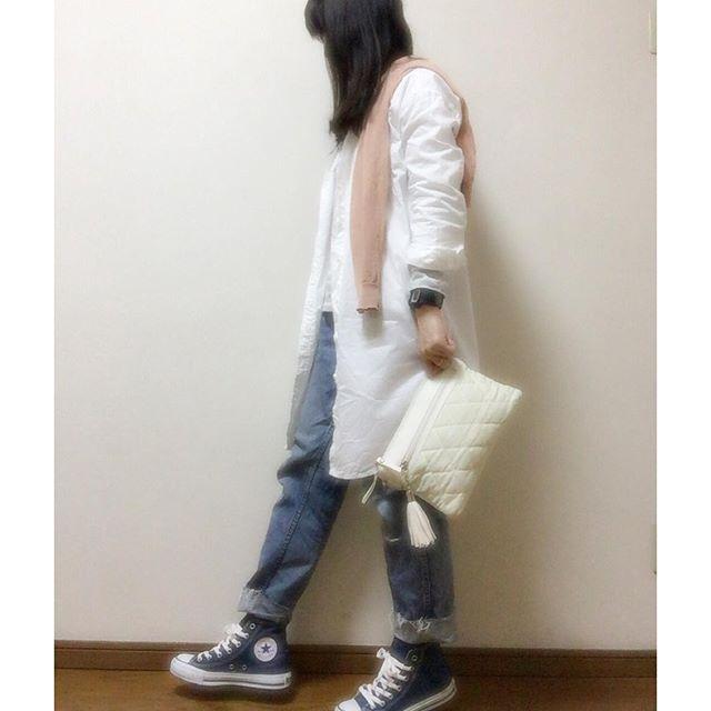 nana771279こんにちはー 3/8 今日は、暖かく晴れ☀️ 今日も宜しくお願いします➰ #今日のコーデ#今日の服#アラフォー#アラフォーコーデ #カジュアル#kaumo_fashion#ponte_fashion #offtit#おちび#おちびの輪#fashion#スナップミー #locari#シンプル#シンプルコーデ#足元クラブ #ootd#coordinate#プチプラ#ママコーデ #古着#メンズジーパン#デニム#ワンピースシャツ #GAP#トレンチコート#GUMANIA#レトロガール * * * ブログ内でのリンクコーデに参加(*´³`*) ㄘゅ お題は、ピンク。 今日は、カーデで参戦~ヾ(●´∇`●)ノ