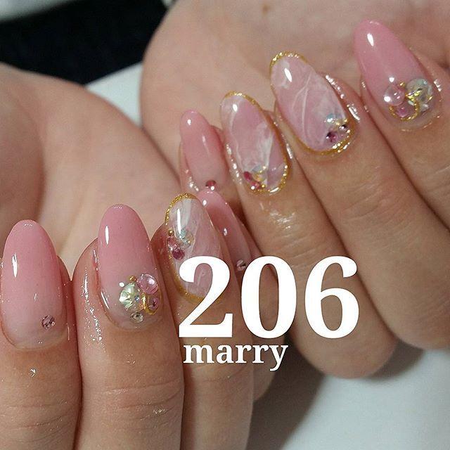 #206マリー  仕上がりの美しさに大興奮!  可愛いピンクの206マリーで こんなに美しく、美味しそうなジェルグラデーションが可能  特別なことは なにもしていません!  クリアは混ぜず 薄く重ねていくだけ。  こんなにグラデーションが簡単にできてしまって良いのでしょうか。 サロンワークでは必要不可欠、時短になるマオジェル!  今まで グラデーションが苦手だった方 ぜひ、マオジェルで好きになってください。  そして、グラデーションが好きな方は もっともっと、好きになってください!  ありがとうございます!  #グラデーション#グラデーションネイル#加工なし#ジェルネイル#自爪#ピンク#結婚#スワロフスキー#キラキラ#大人可愛い#輝き#高槻#ジェルネイル#ネイルサロン#シンプル#シンプルネイル#ぷっくり薄づき#色気爪#和歌山#高槻#大阪#美味しそう#maonail#maogel#maoball#マオジェル#マオネイル#サロンワーク#テクニック#時短#마오네일