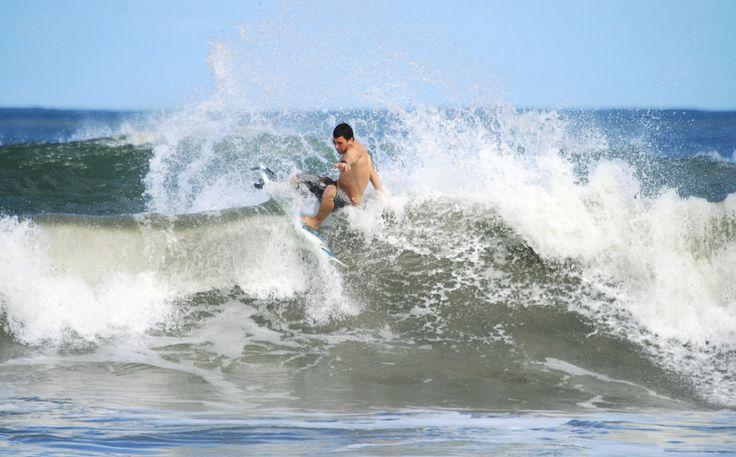 Surf - Rasgara Mostrando as quilhas na junção.