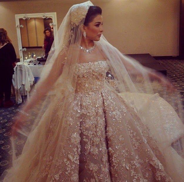 Posh and Glamour: Dubai'de Muhteşem Bir Arap Düğünü