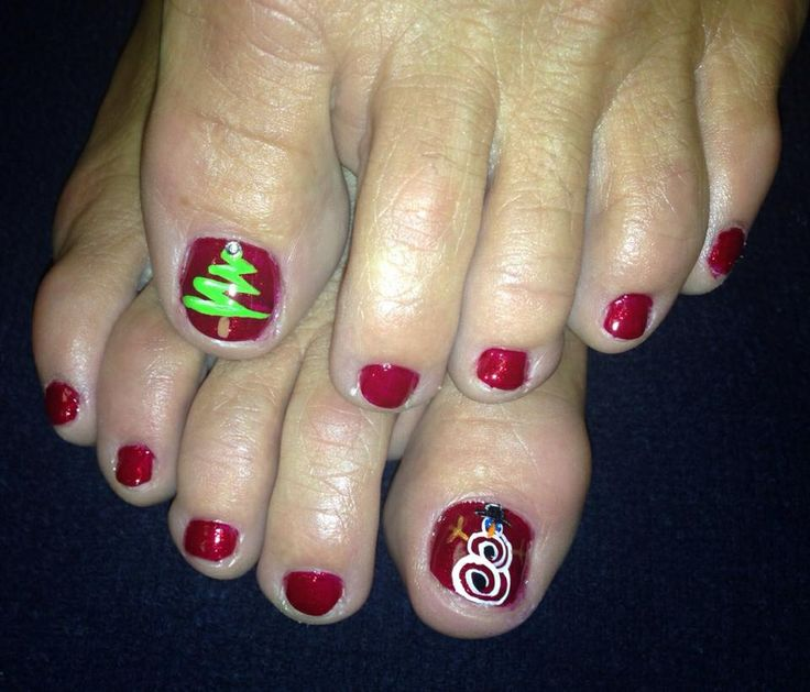 Toe Nail Art Holidays: Christmas Toe Nails