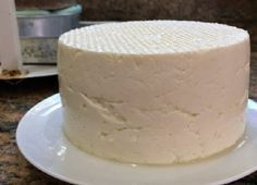 O Queijo Minas Fácil é delicioso e muito fácil de fazer. Você não precisa ter utensílios específicos, nem ficar horas preparando, e o resultado é um queijo
