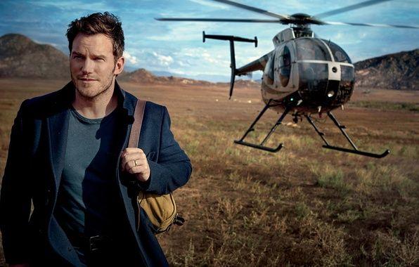 Фото обои поле, пейзаж, вертолет, актер, рюкзак, пальто, Vanity Fair, Chris Pratt, 2017, Mark Seliger, Крис Пратт